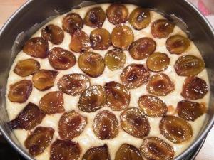 pretty plum cake